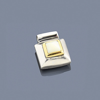 Mother Of Pearl Pendant Sterling Silver 18K